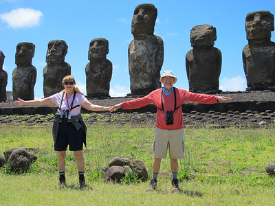 Susan and Dick do their own measurement of the Easter Island statues.